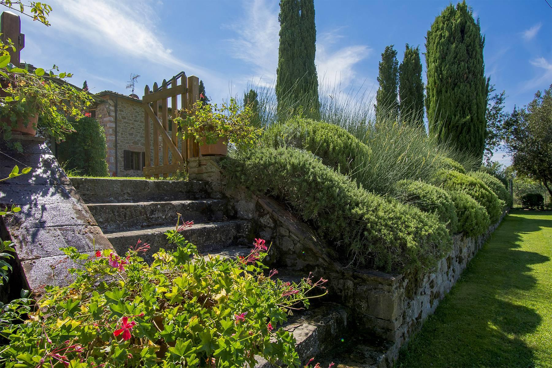 House in the Tuscan Hills for Sale - 29