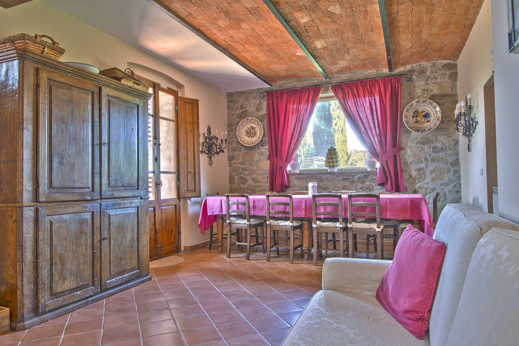 Rustic House in the Tuscan Hills for Sale - 26