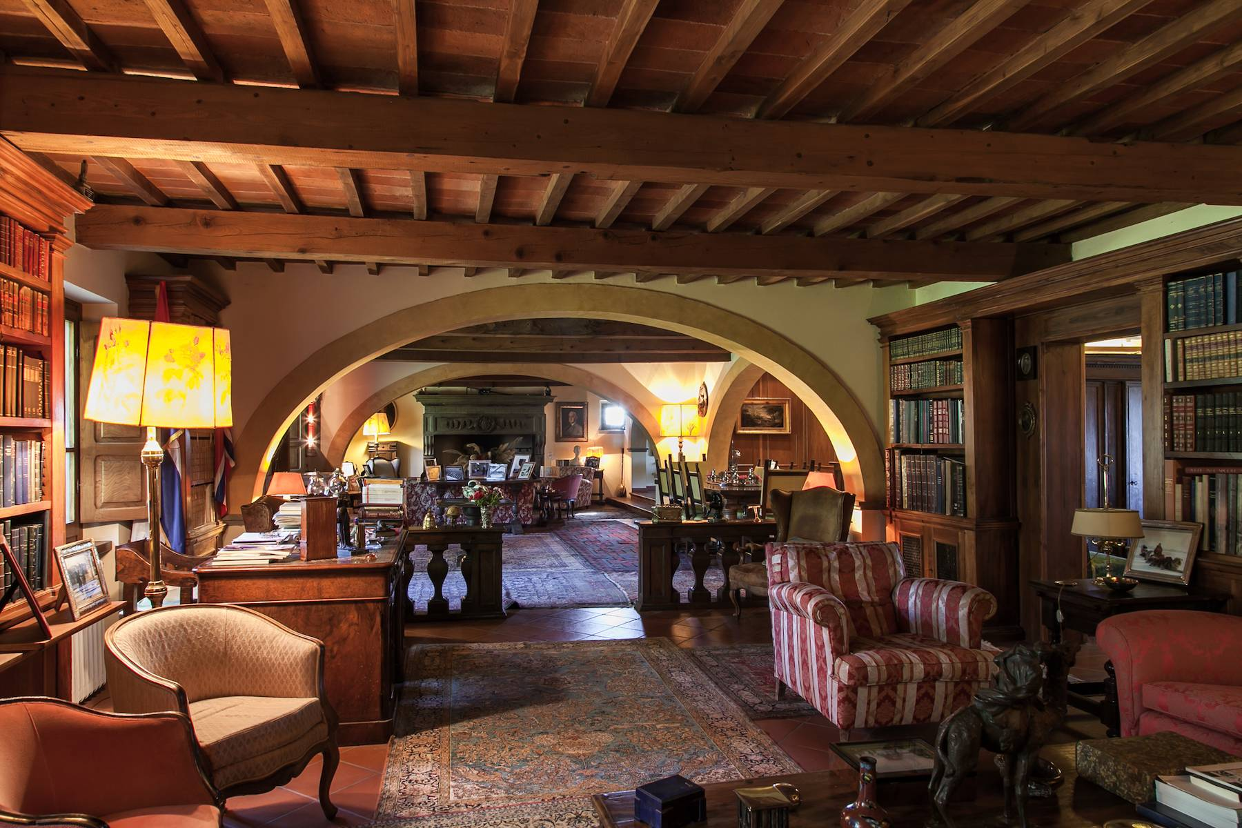 Historic villa in the Tuscan countryside - 9
