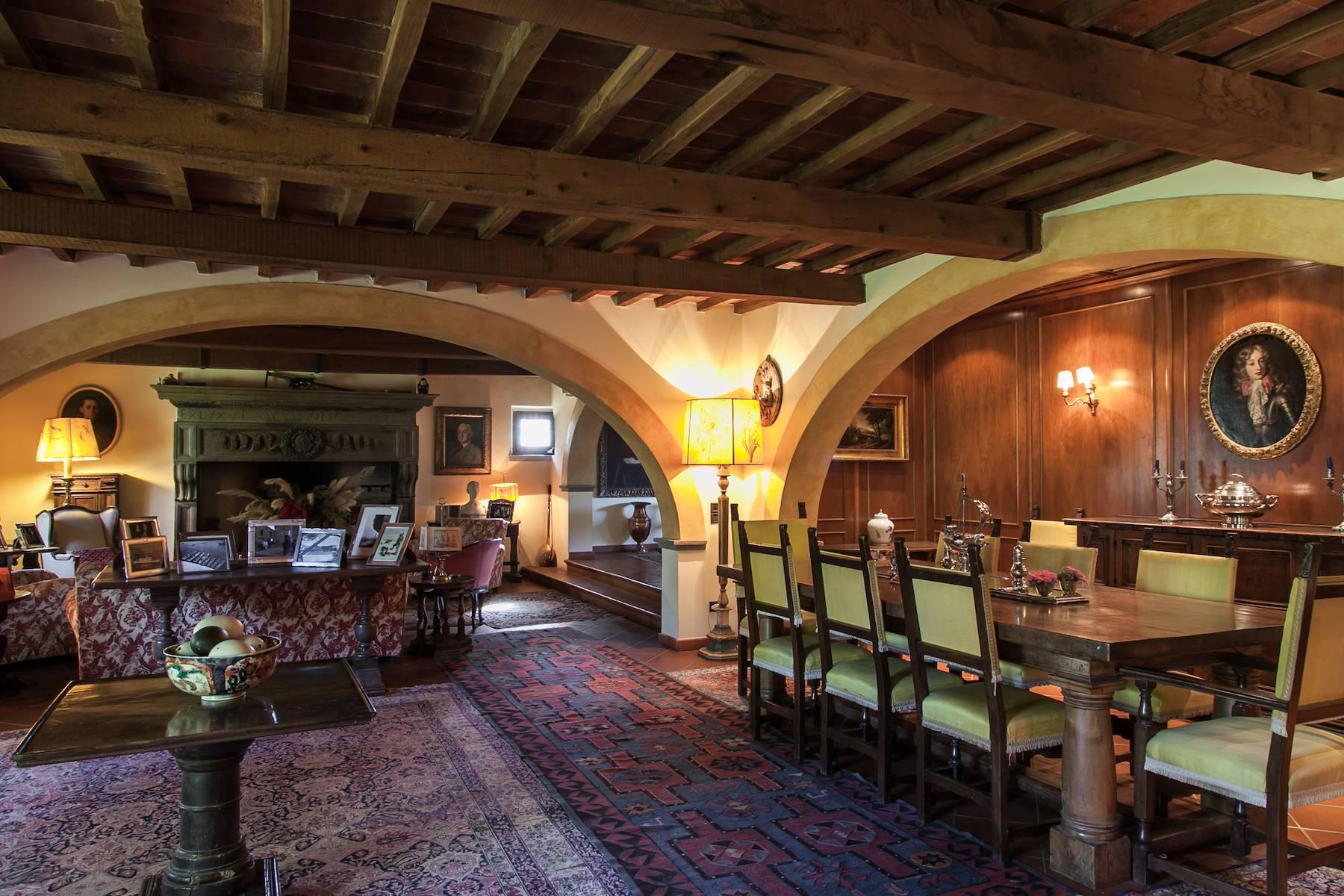 Historische Villa in der toskanischen Landschaft - 10