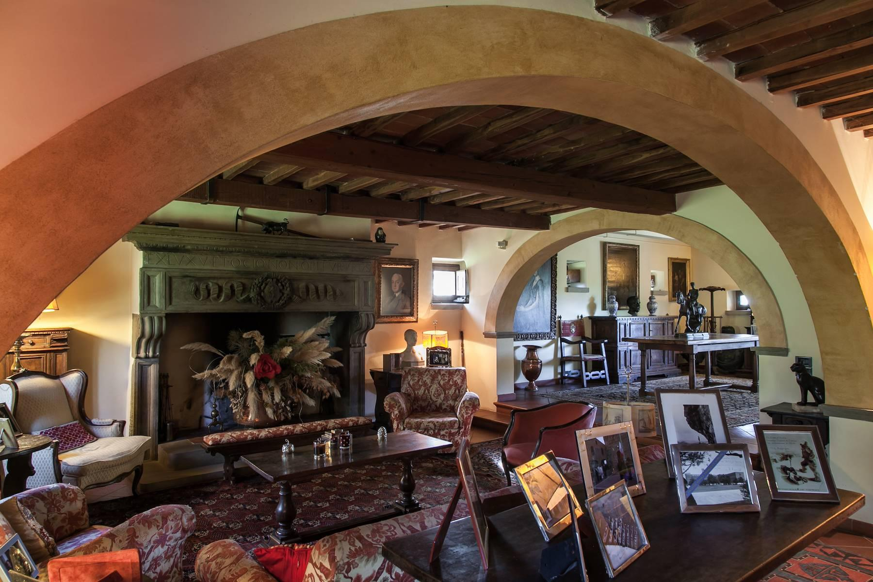 Historic villa in the Tuscan countryside - 14