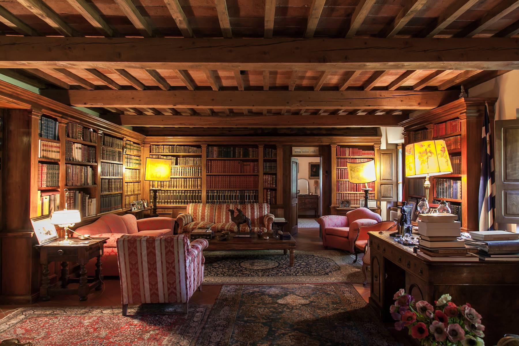 Historische Villa in der toskanischen Landschaft - 11