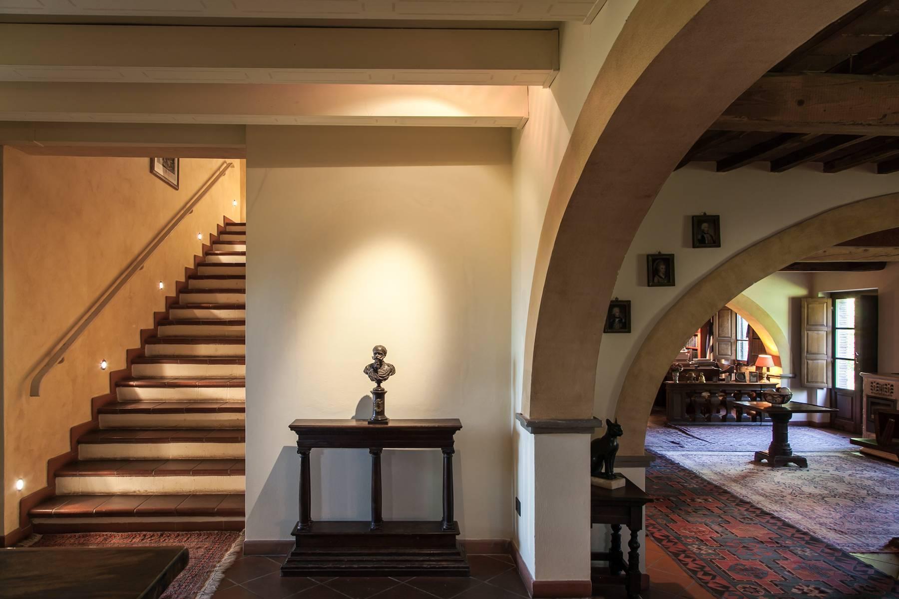 Historische Villa in der toskanischen Landschaft - 15