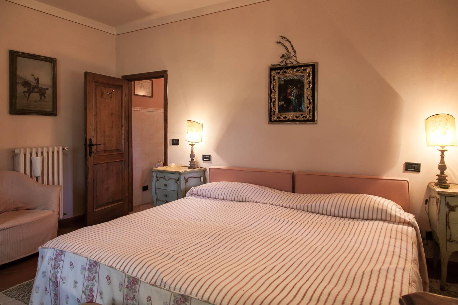 Historische Villa in der toskanischen Landschaft - 17