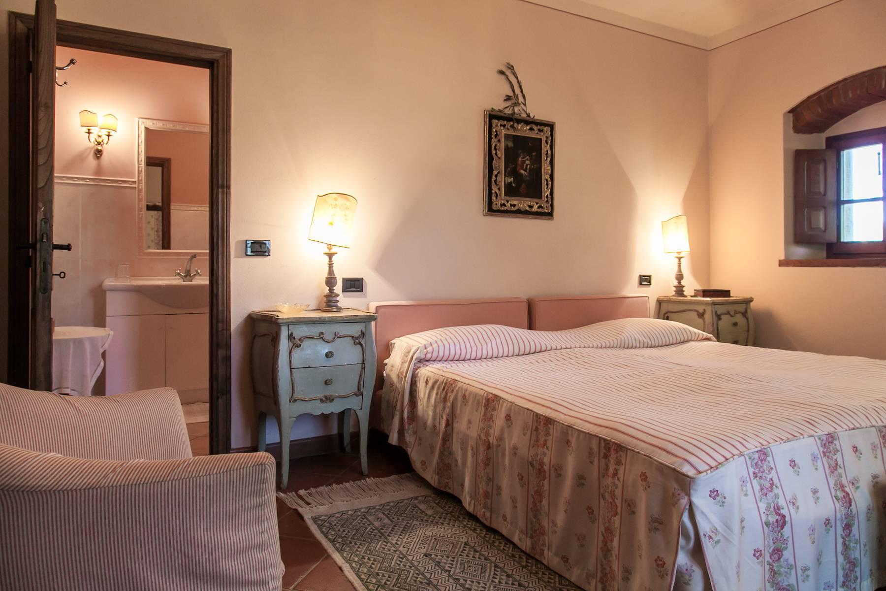Historische Villa in der toskanischen Landschaft - 19