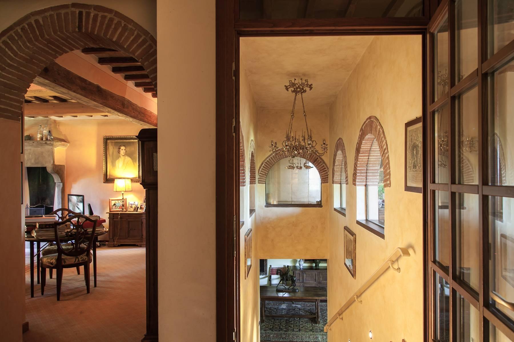 Historische Villa in der toskanischen Landschaft - 26
