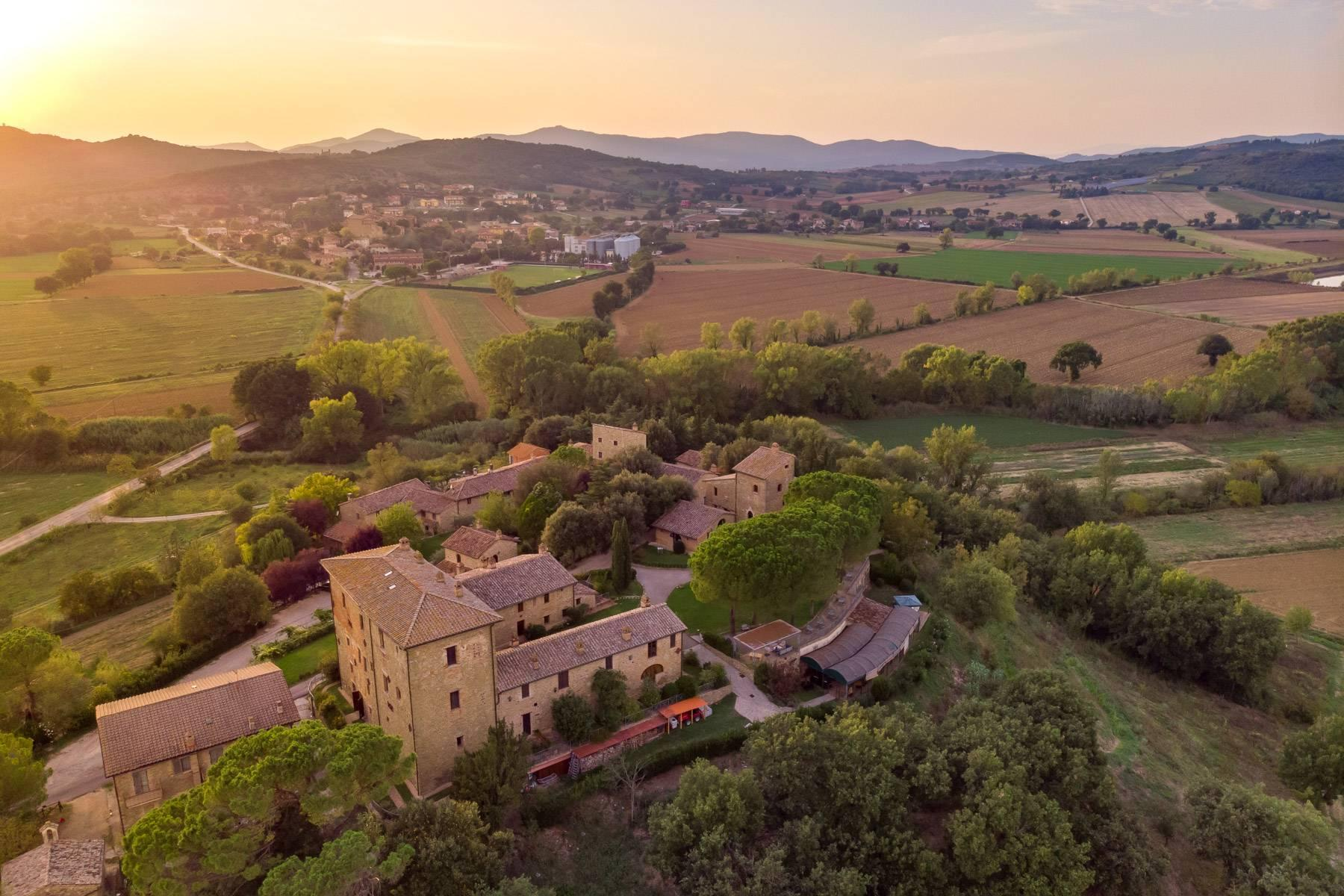 Magnificent castle in the heart of Umbria - 7