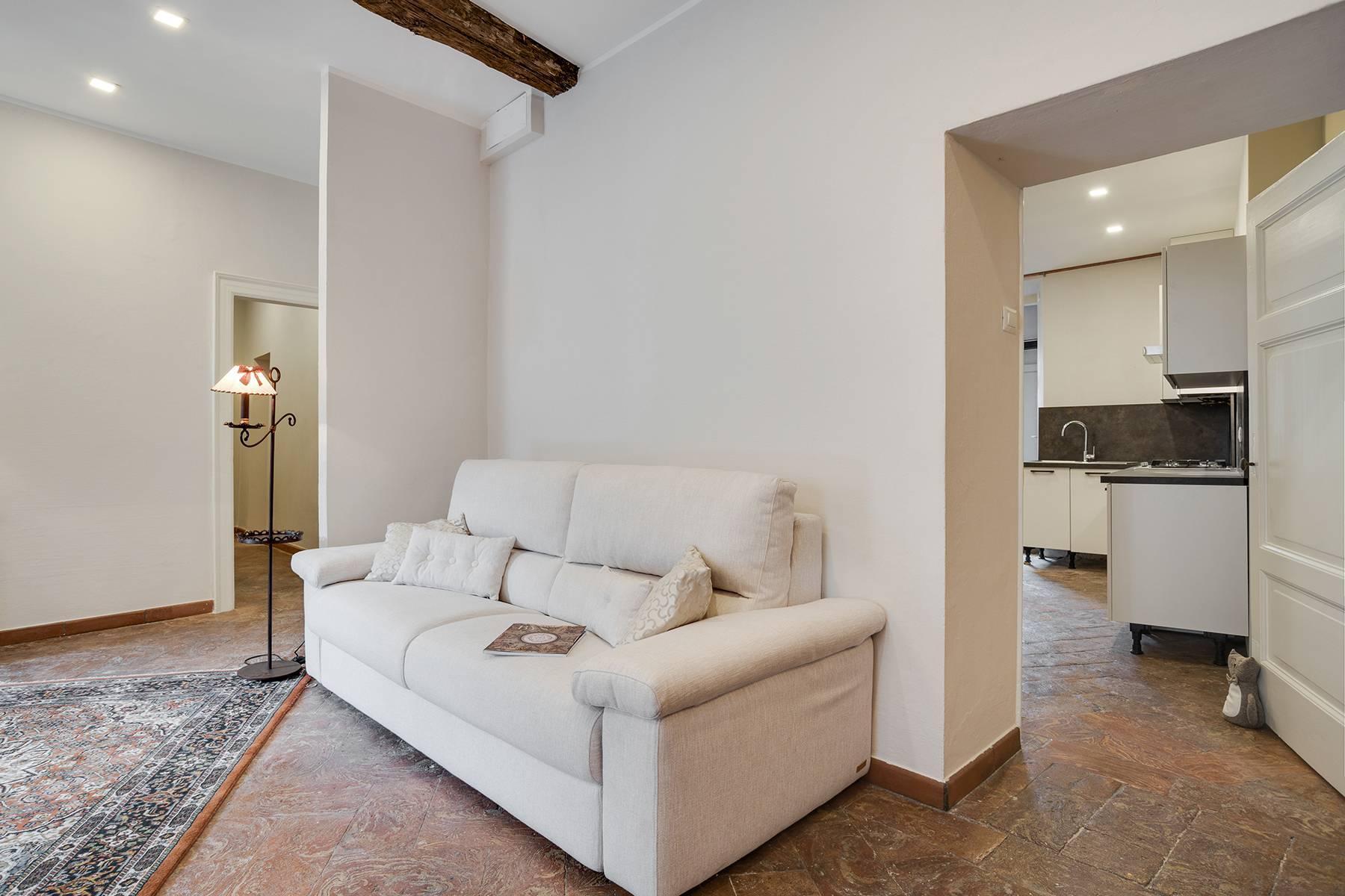 Elegante e soleggiato appartamento nel cuore di Arona - 10
