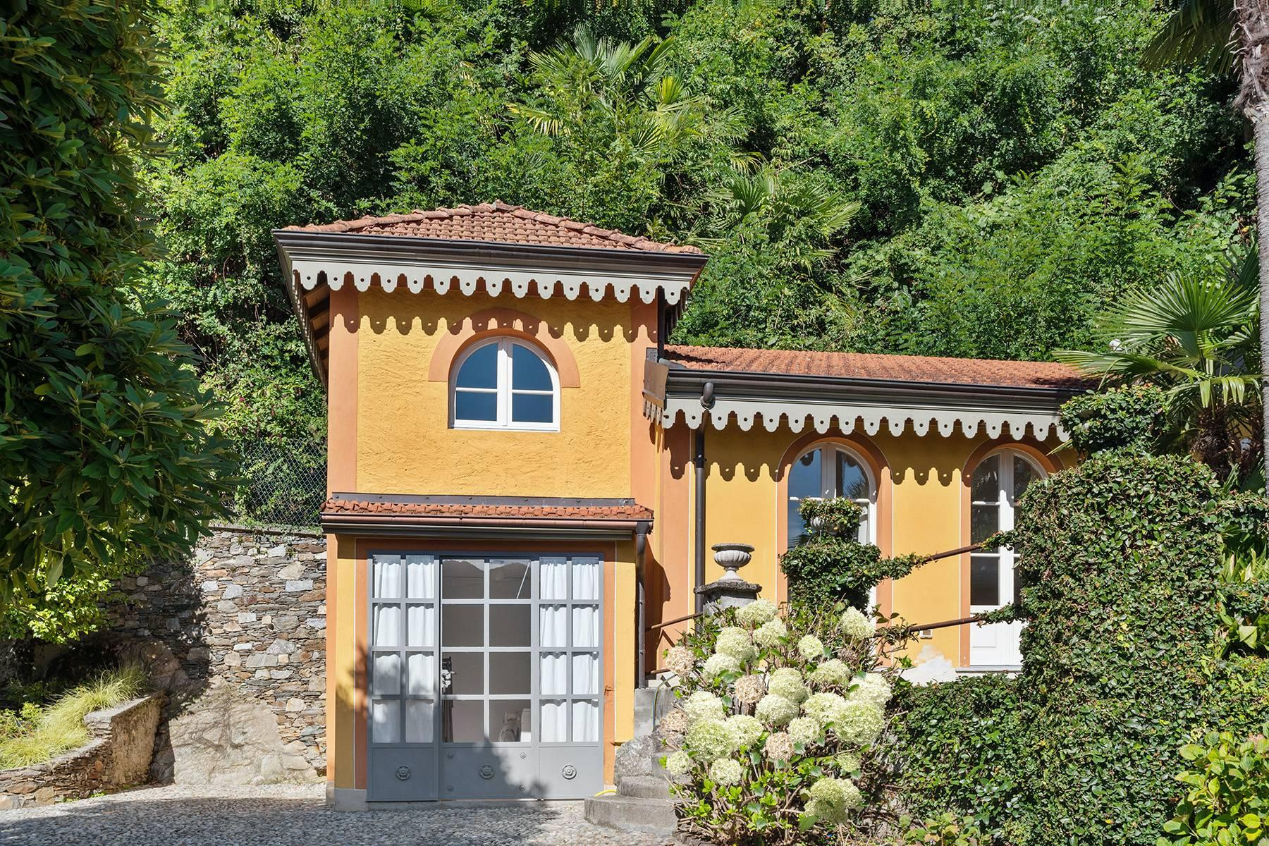 Unique historic villa with guest house in a privileged position and a fantastic view of Lake Maggiore - 17