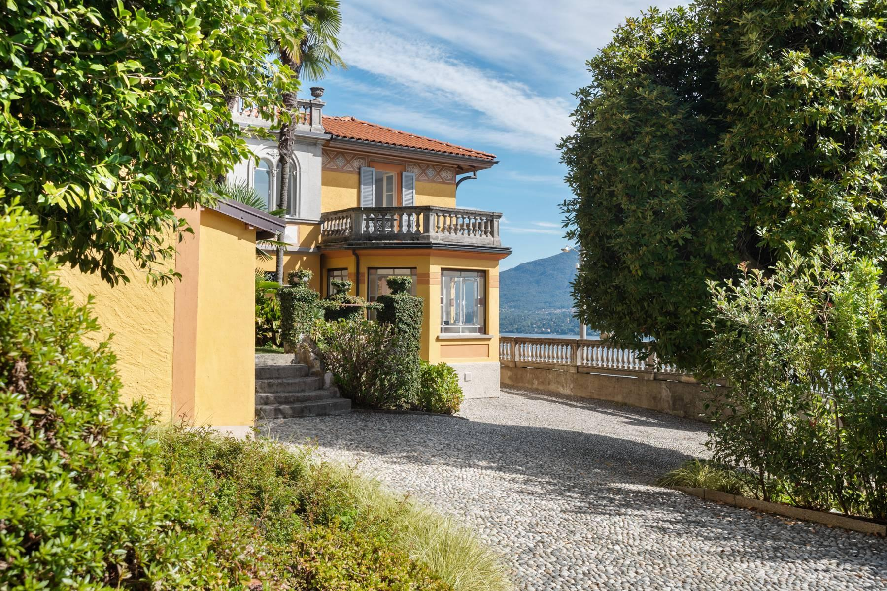 Unique historic villa with guest house in a privileged position and a fantastic view of Lake Maggiore - 8