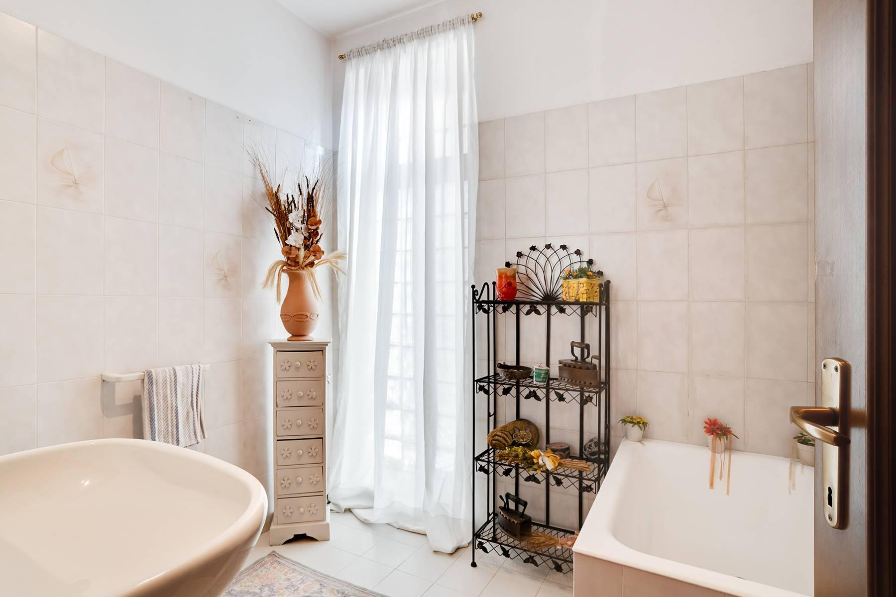 Independent villa a few steps from the heart of Arona - 16