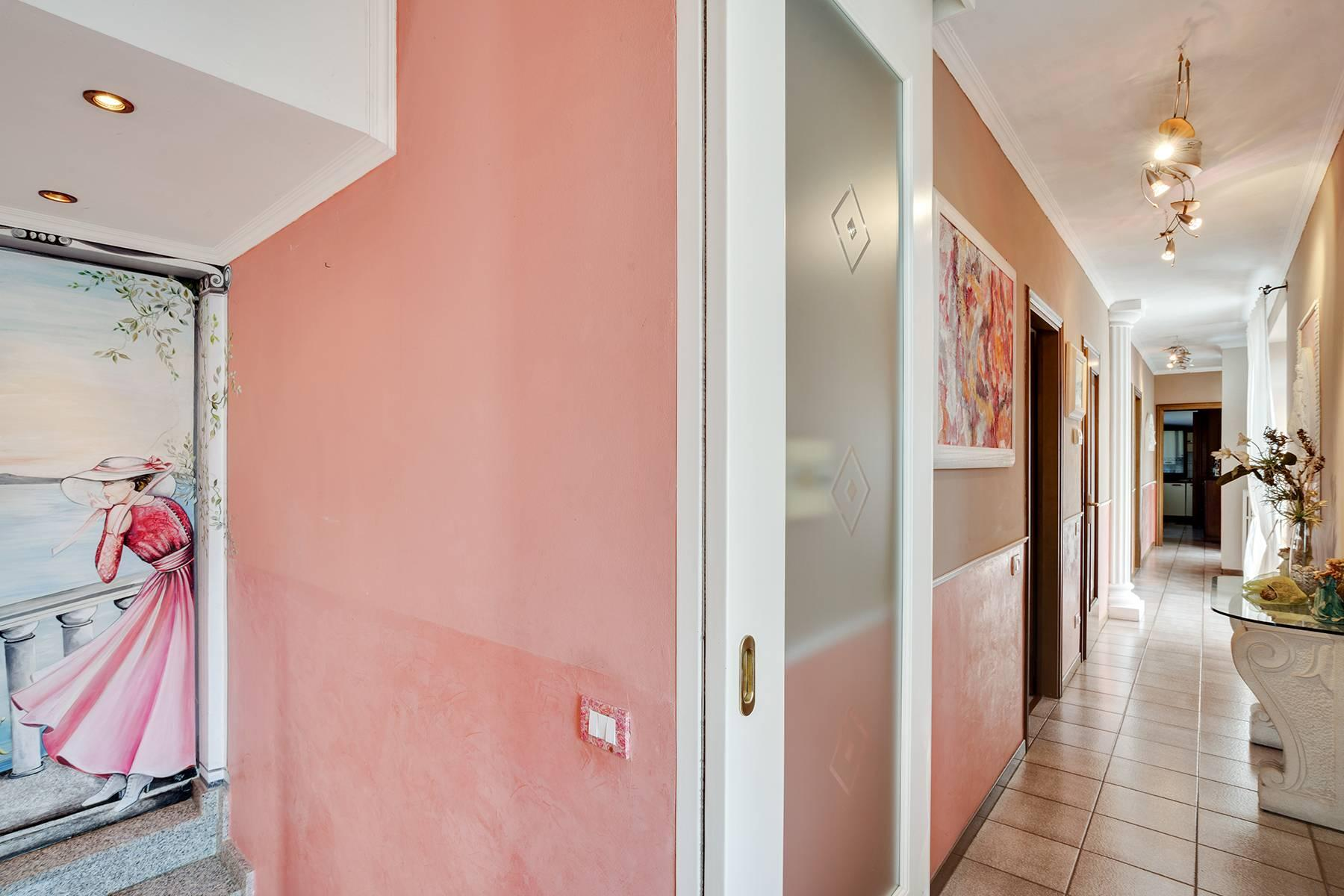 Independent villa a few steps from the heart of Arona - 15