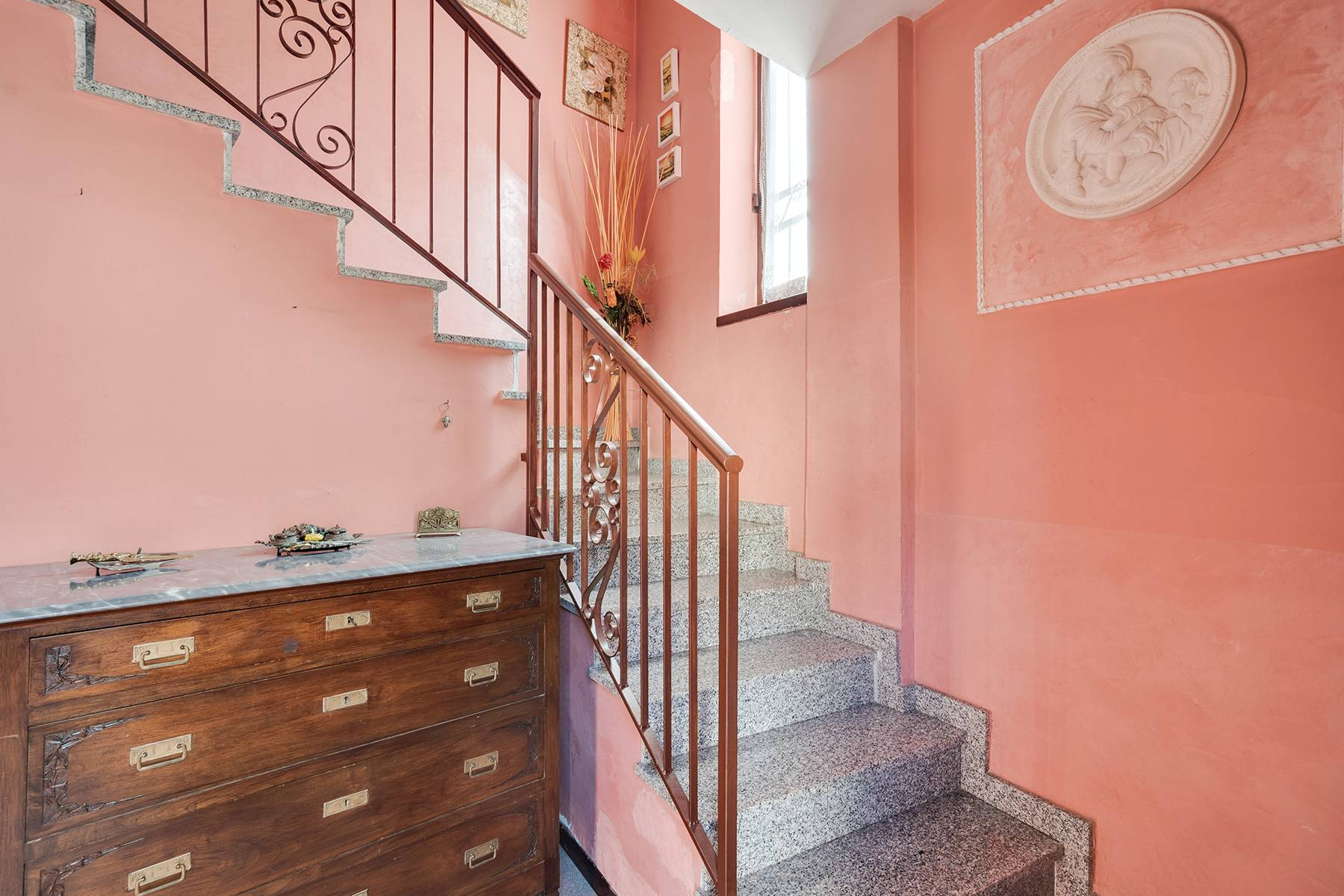 Independent villa a few steps from the heart of Arona - 13