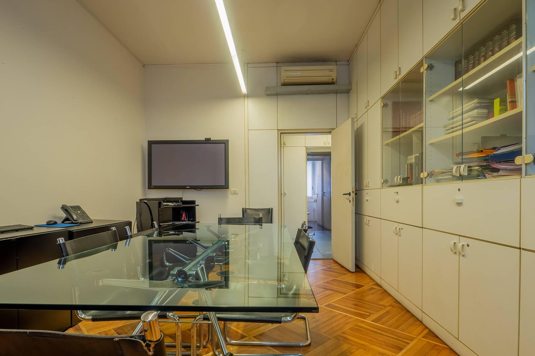 Beautiful and residential apartment in Turin - 13