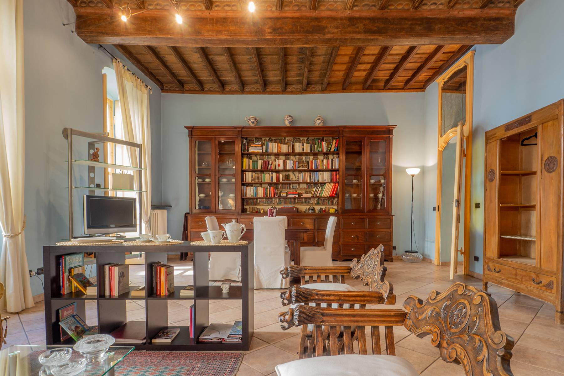 Bright charming apartment in a period building - 6