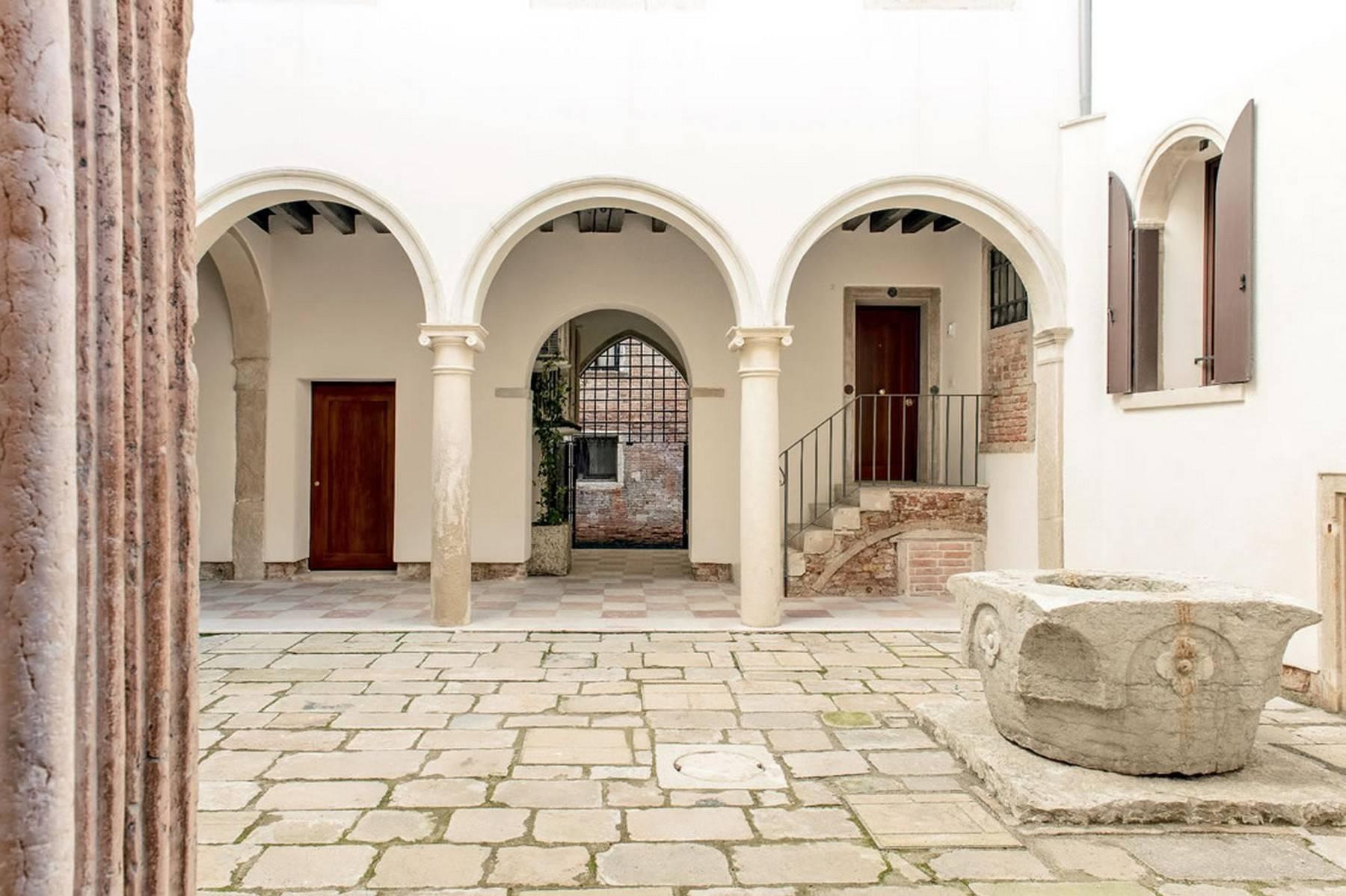 Stylish Rubelli designed apartment - 13