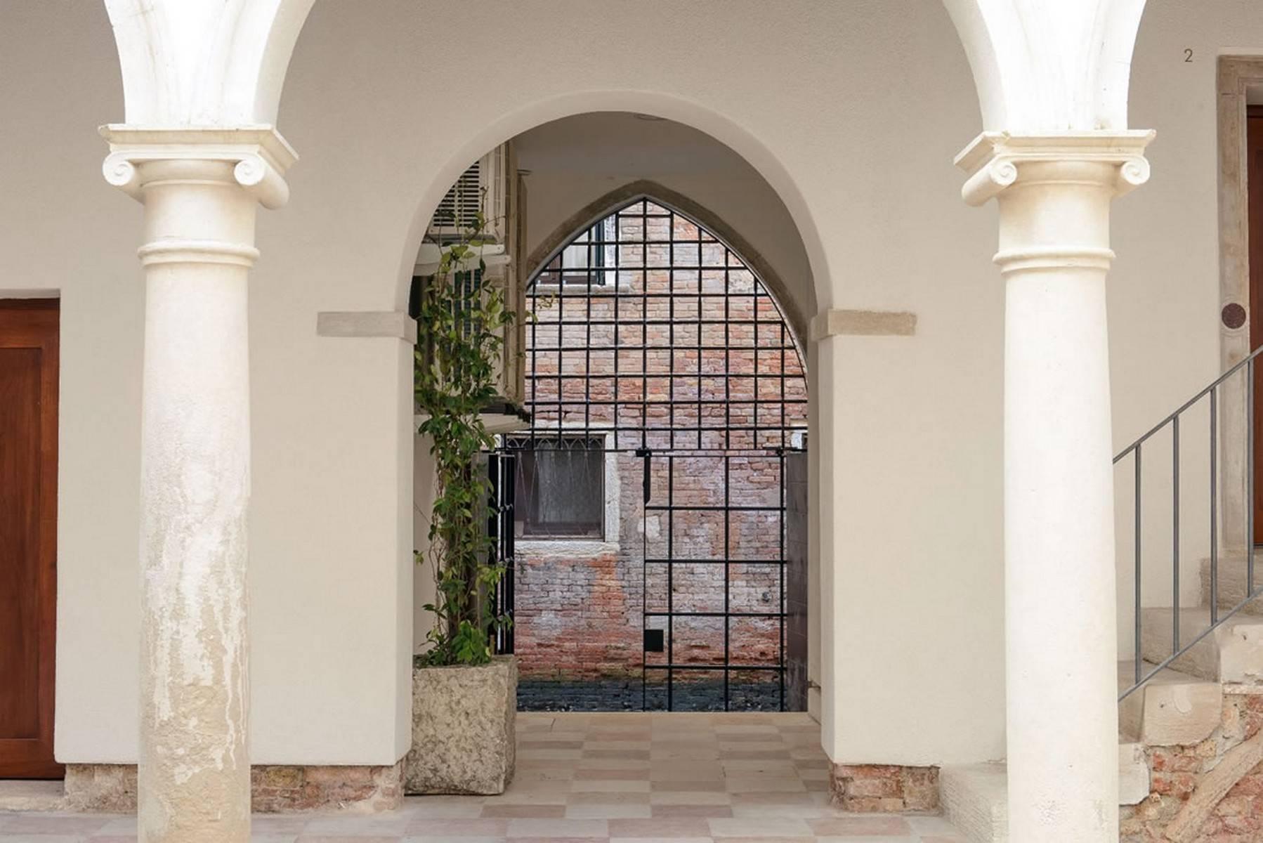 Stylish Rubelli designed apartment - 14