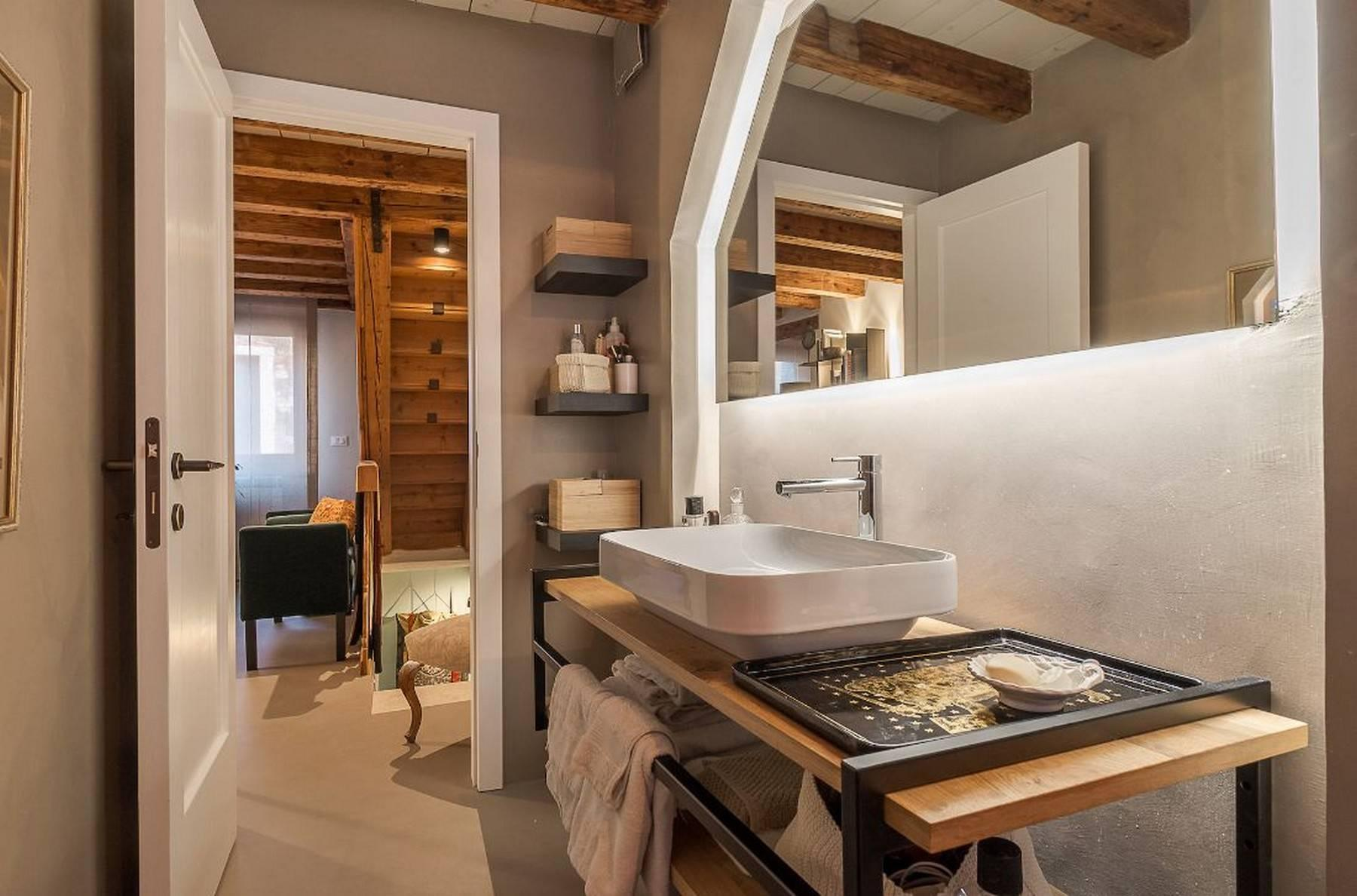 Castello design duplex with charming roof terrace - 8