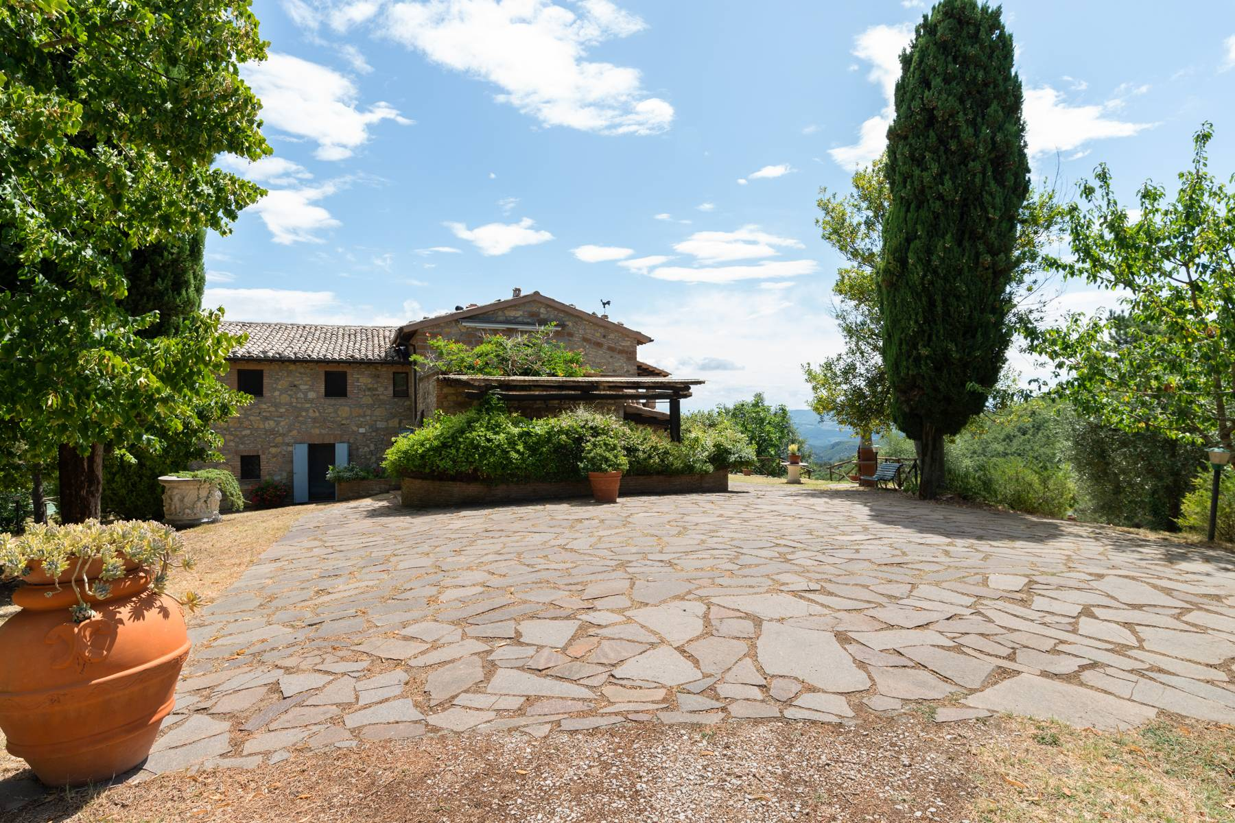 Beautiful XVII century stone farmhouse with pool and panoramic view in Orvieto - 2