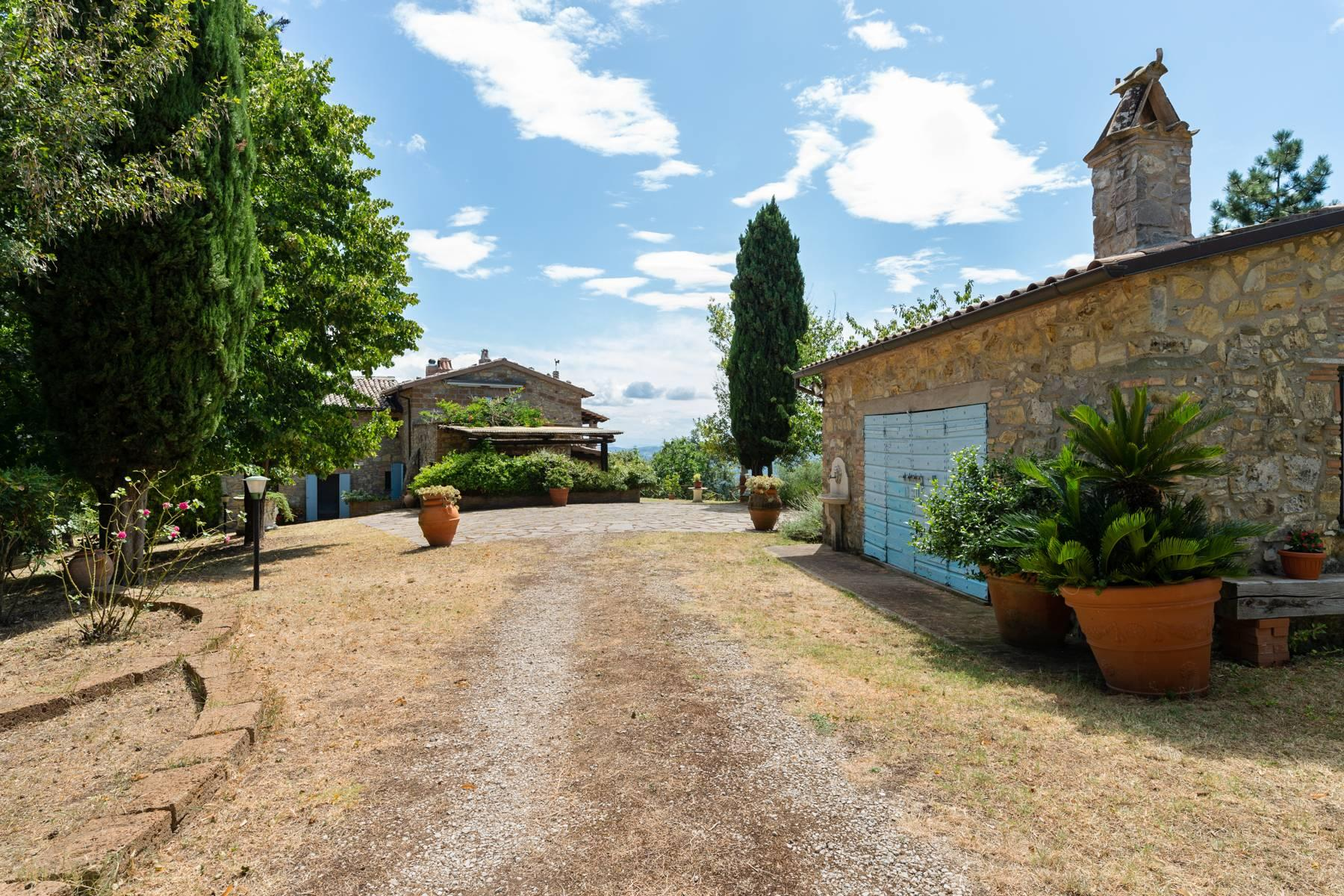 Beautiful XVII century stone farmhouse with pool and panoramic view in Orvieto - 3
