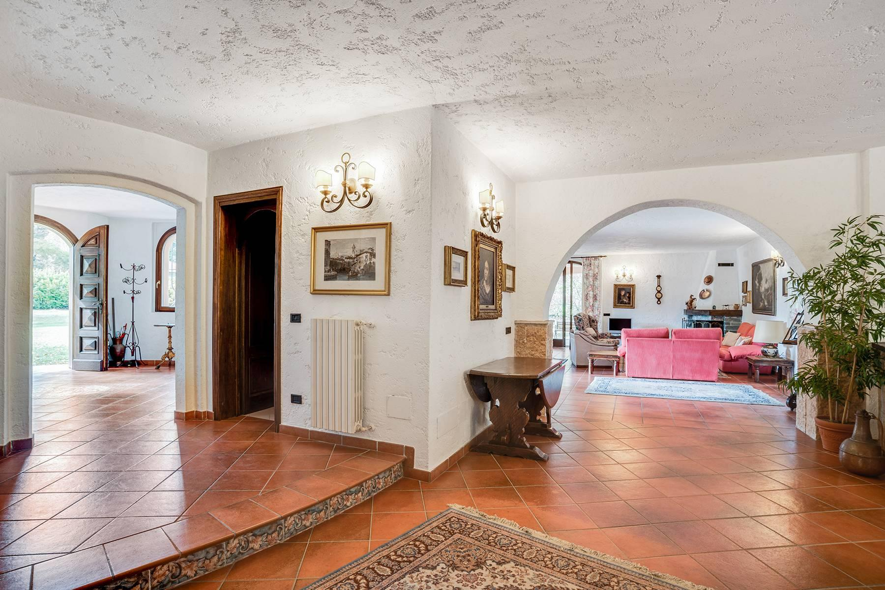 Prestigious villa with private park located within the residential complex of