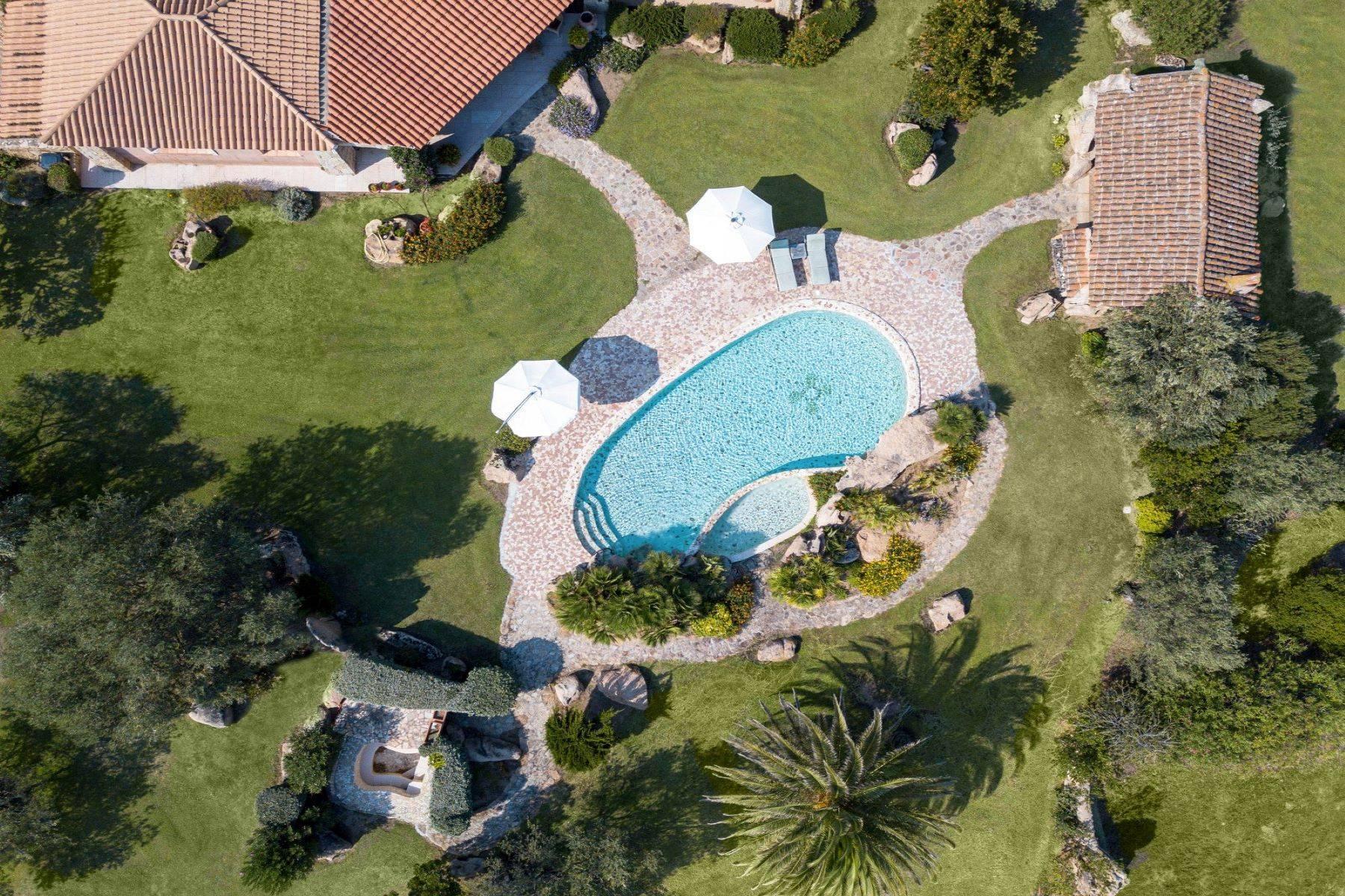 Superbe villa à la campagne, immergée dans un domaine de 20 hectares - 2