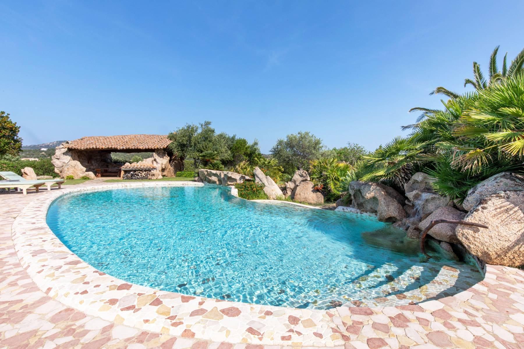Superbe villa à la campagne, immergée dans un domaine de 20 hectares - 3