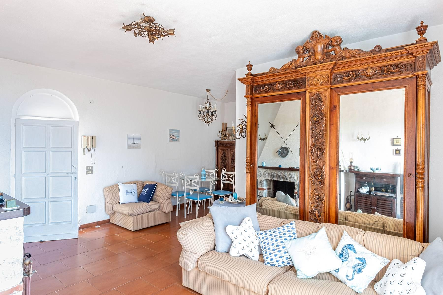 Charming villa with olive grove and swimming pool overlooking the sea - 11