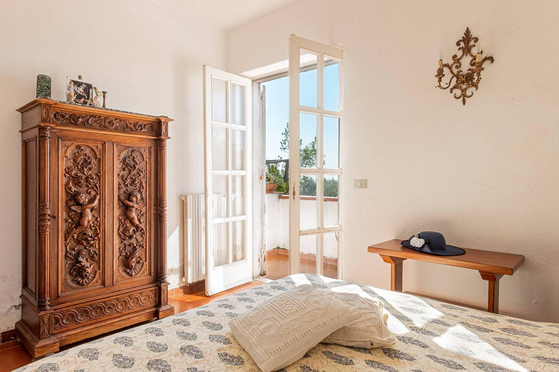 Charming villa with olive grove and swimming pool overlooking the sea - 12