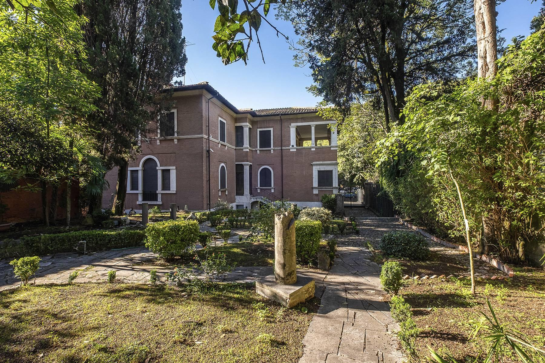 Elegant classical  Villa in the heart of Rome's archaeological ruins - 2