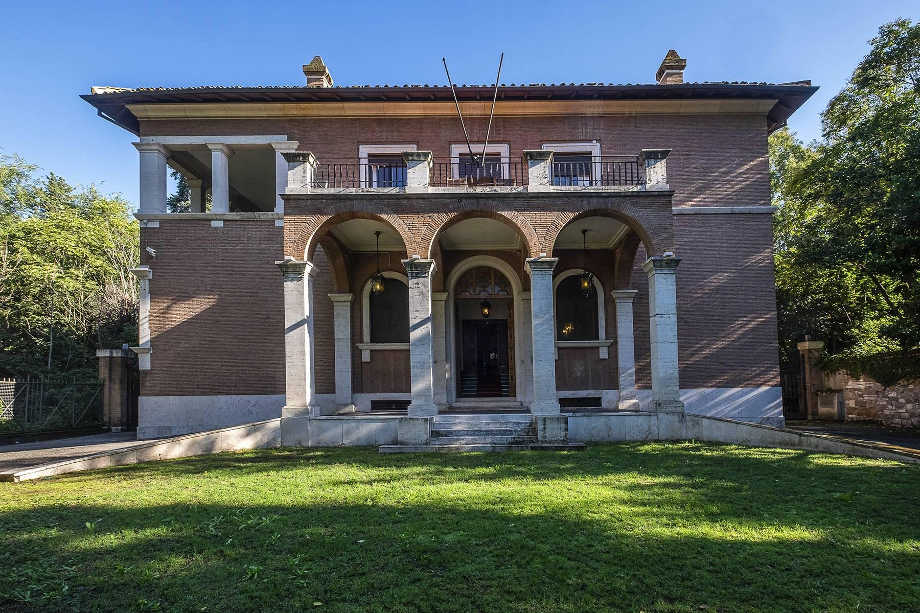 Elegant classical  Villa in the heart of Rome's archaeological ruins - 13