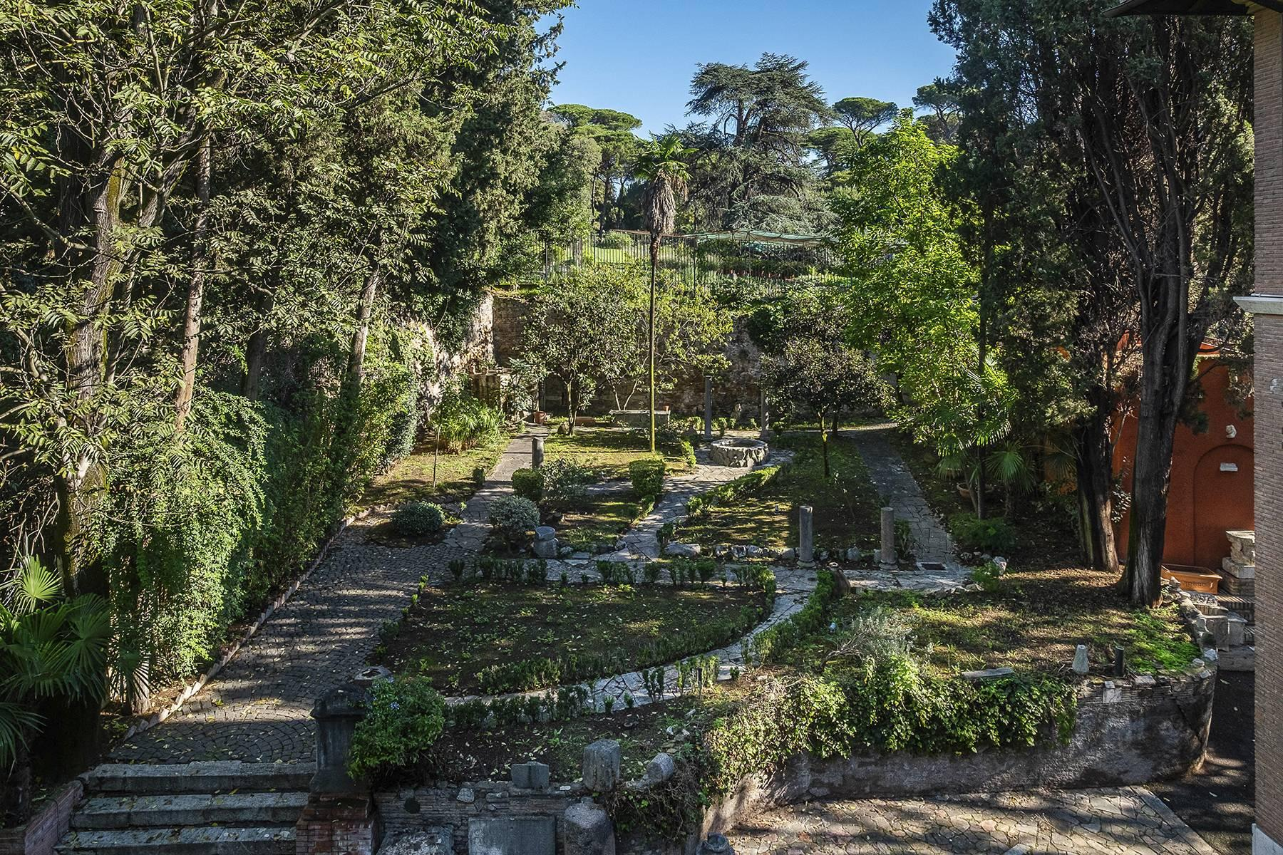 Elegant classical  Villa in the heart of Rome's archaeological ruins - 40