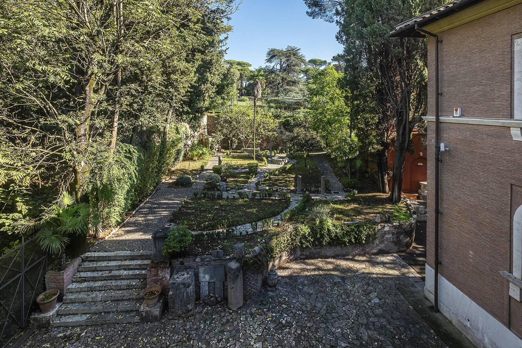 Elegant classical  Villa in the heart of Rome's archaeological ruins - 41