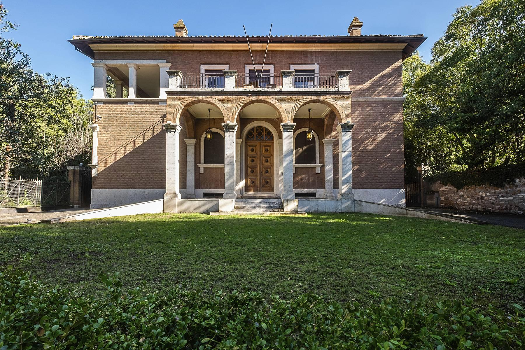 Elegant classical  Villa in the heart of Rome's archaeological ruins - 1
