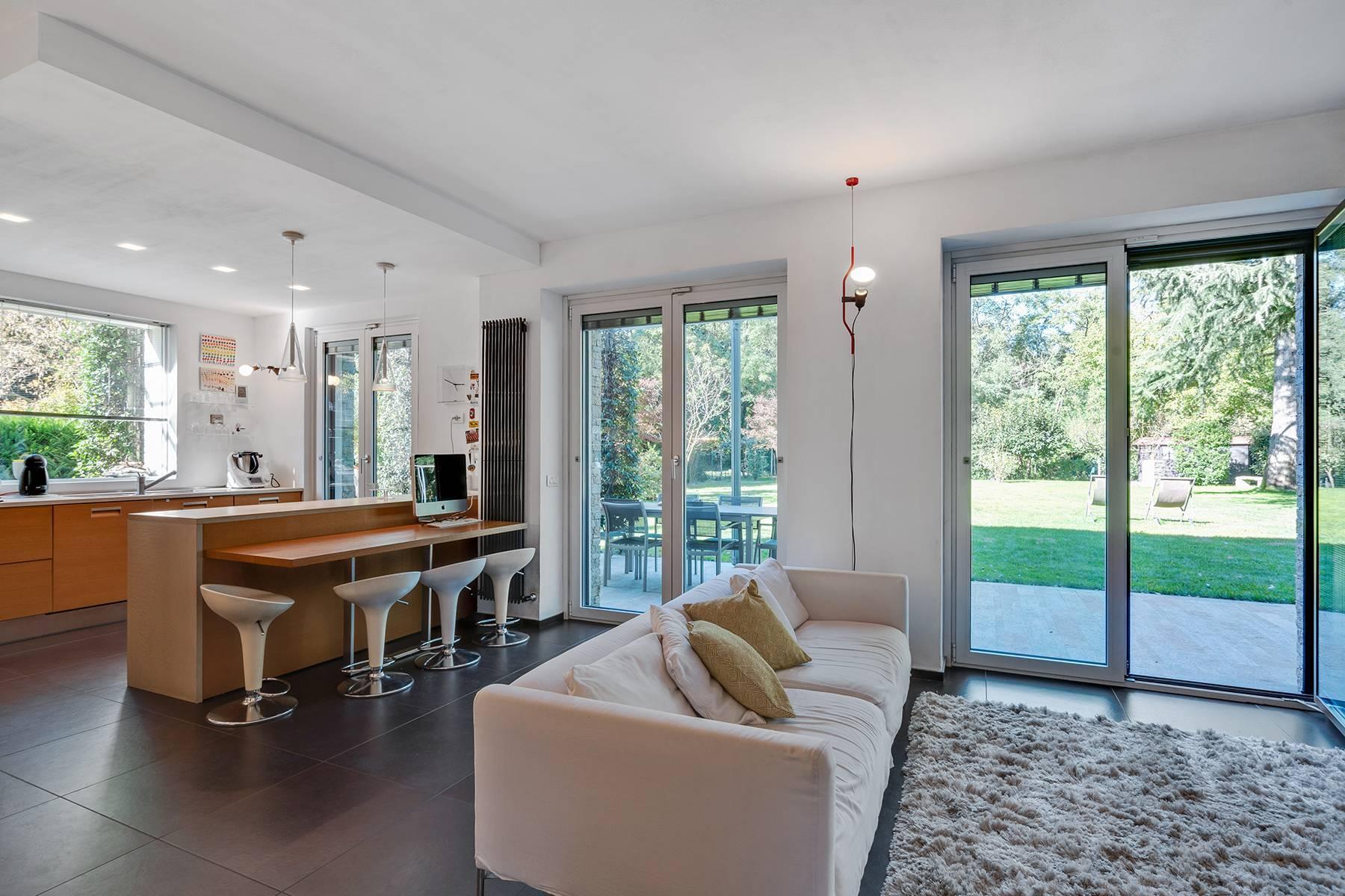 Maison individuelle entièrement rénovée en style moderne - 1
