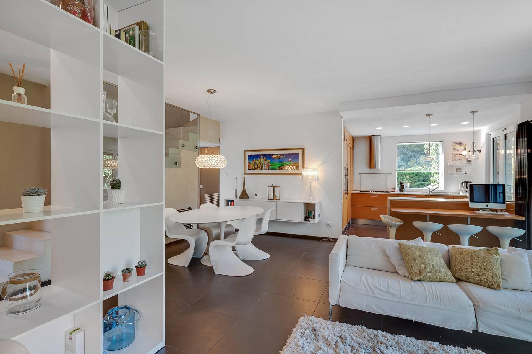 Maison individuelle entièrement rénovée en style moderne - 8