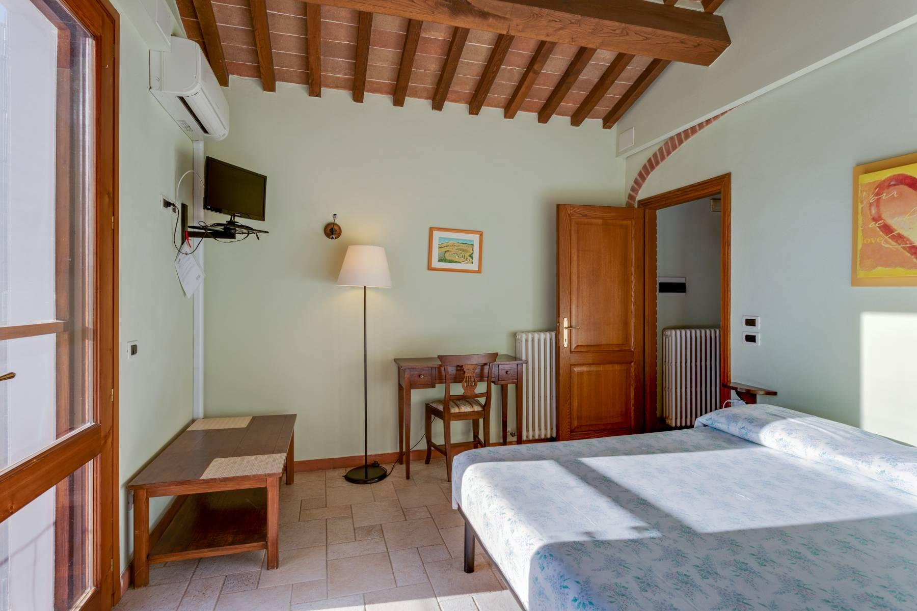 Beautiful country house with agriturismo and vineyard walking distance from Montepulciano - 23