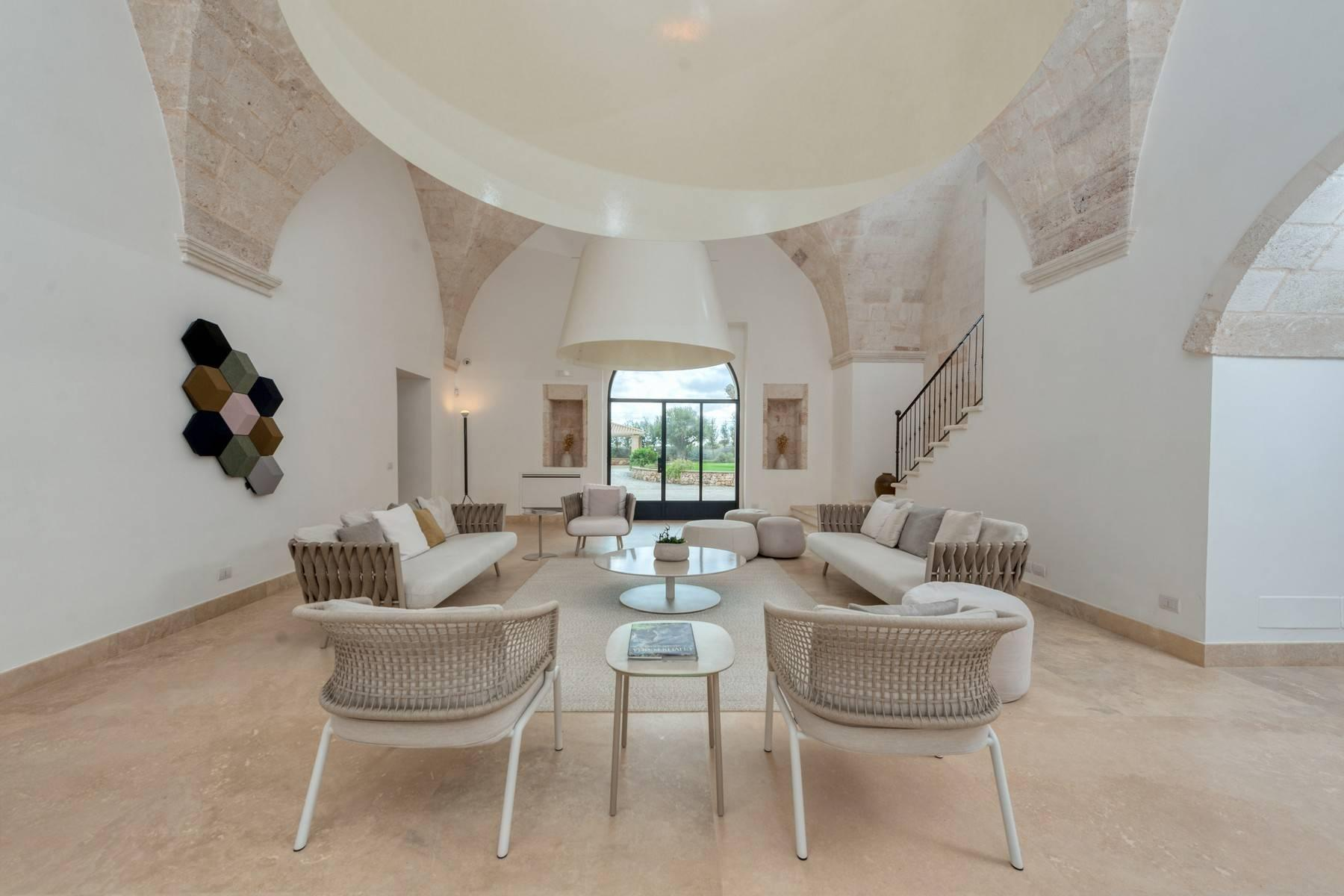 Beautiful Masseria with prestigious furnishings and design details - 4