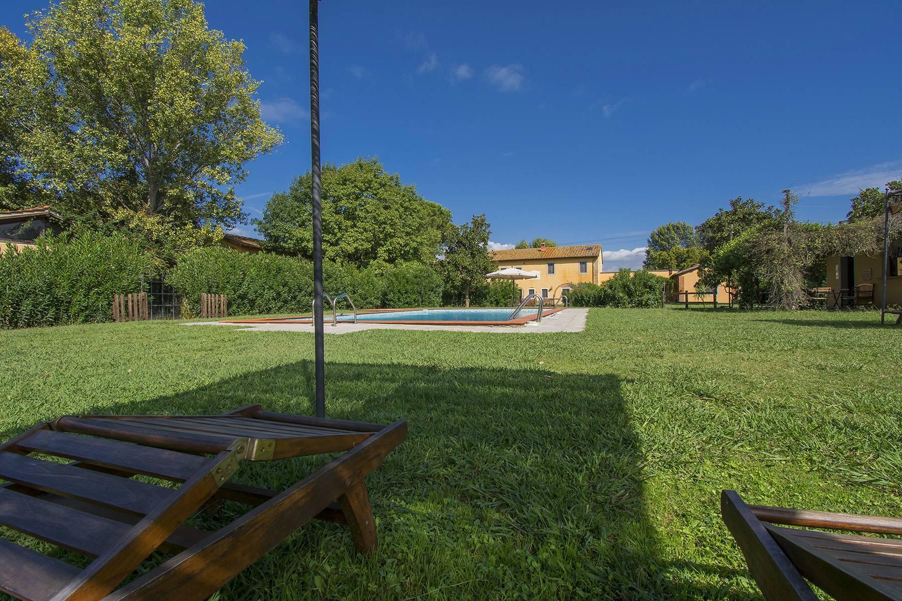 Bauernhaus mit Reitschule auf dem toskanischen Landschaft - 22