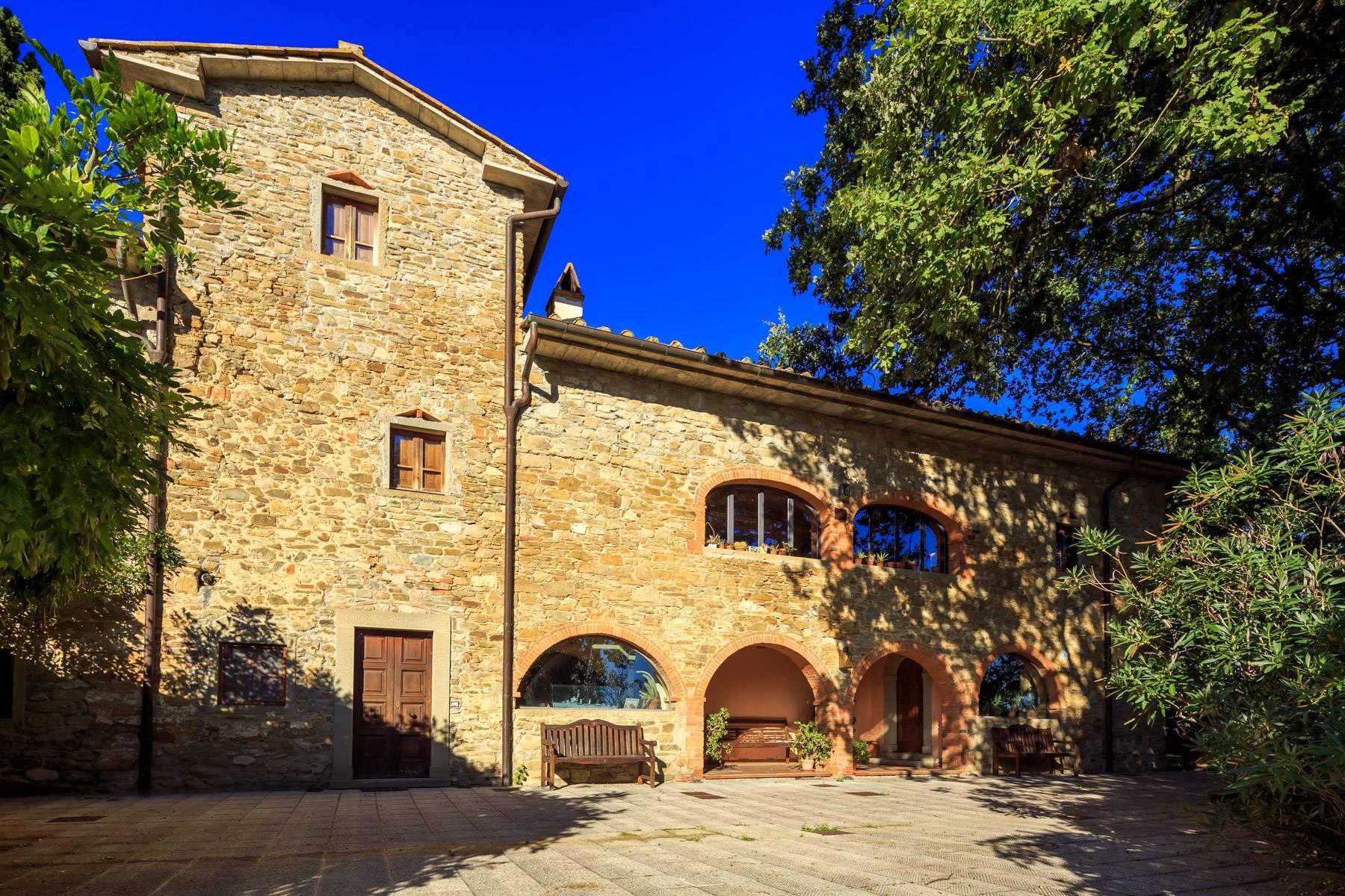 Historische Villa in der toskanischen Landschaft - 2