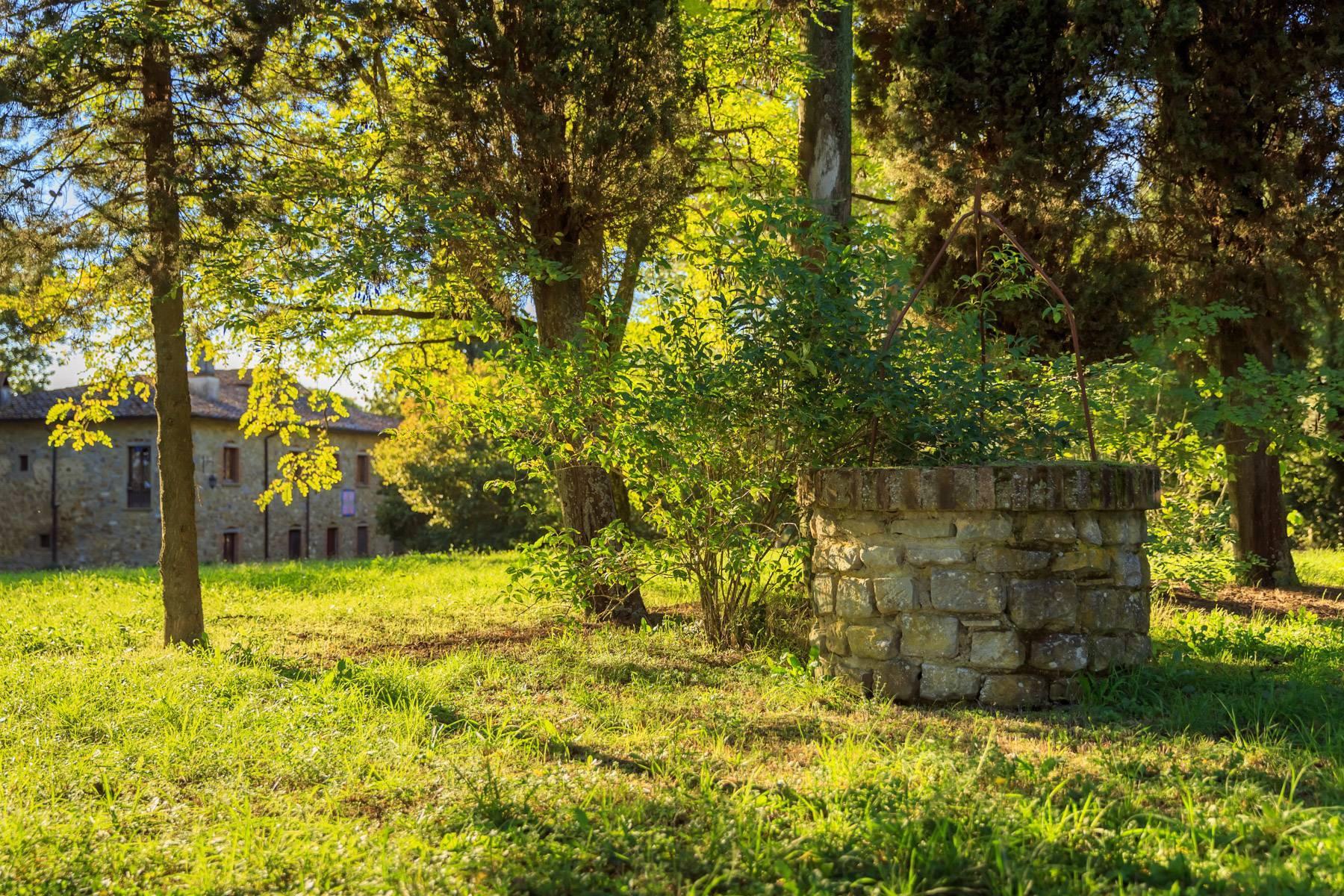 Historische Villa in der toskanischen Landschaft - 35