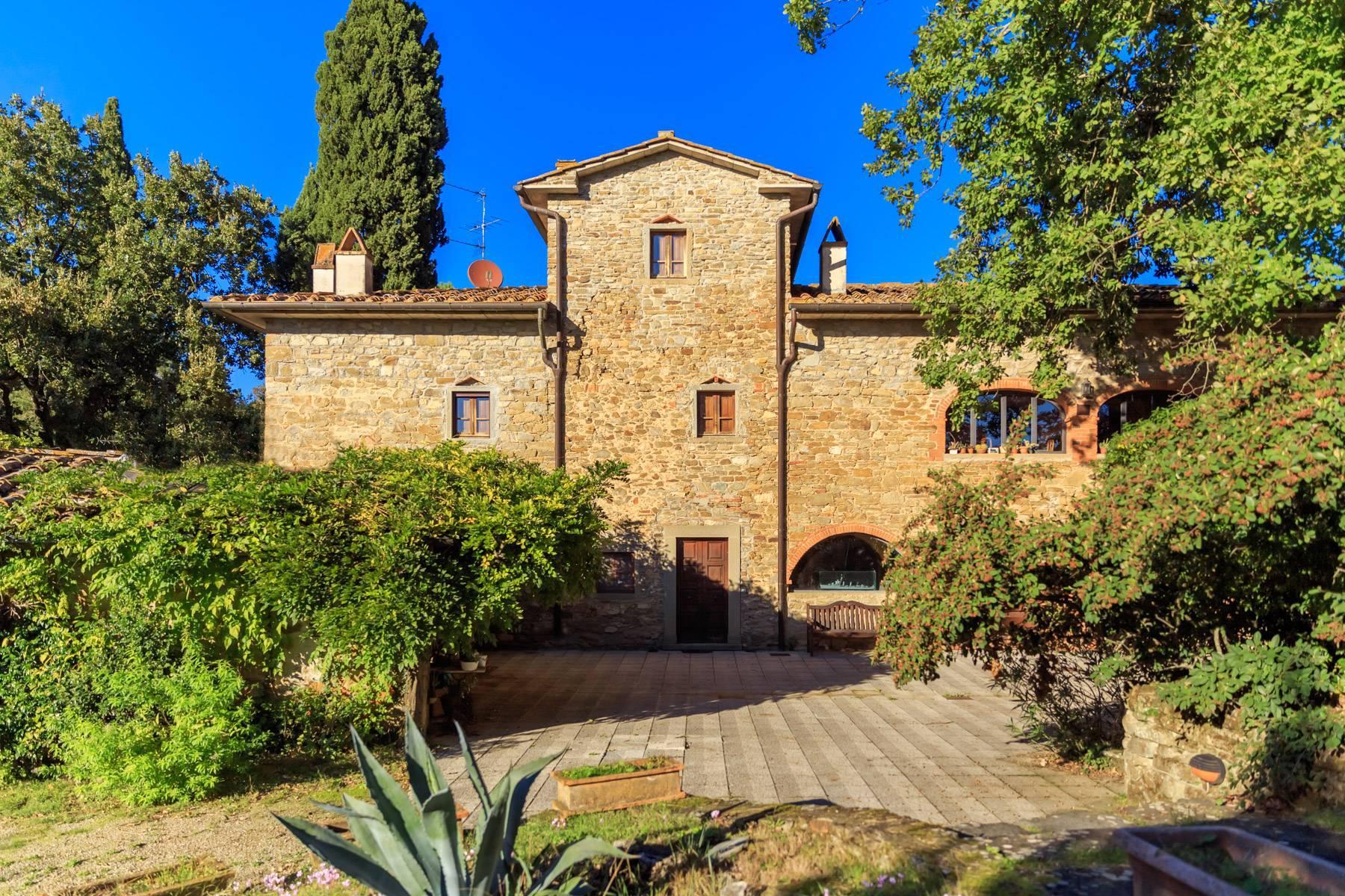 Historische Villa in der toskanischen Landschaft - 1