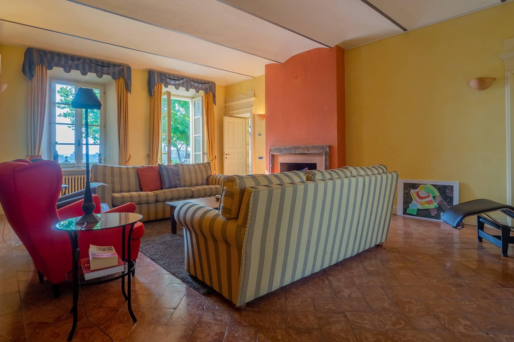 Elegante Villa mit wunderschönem Blick auf die Alpen - 39