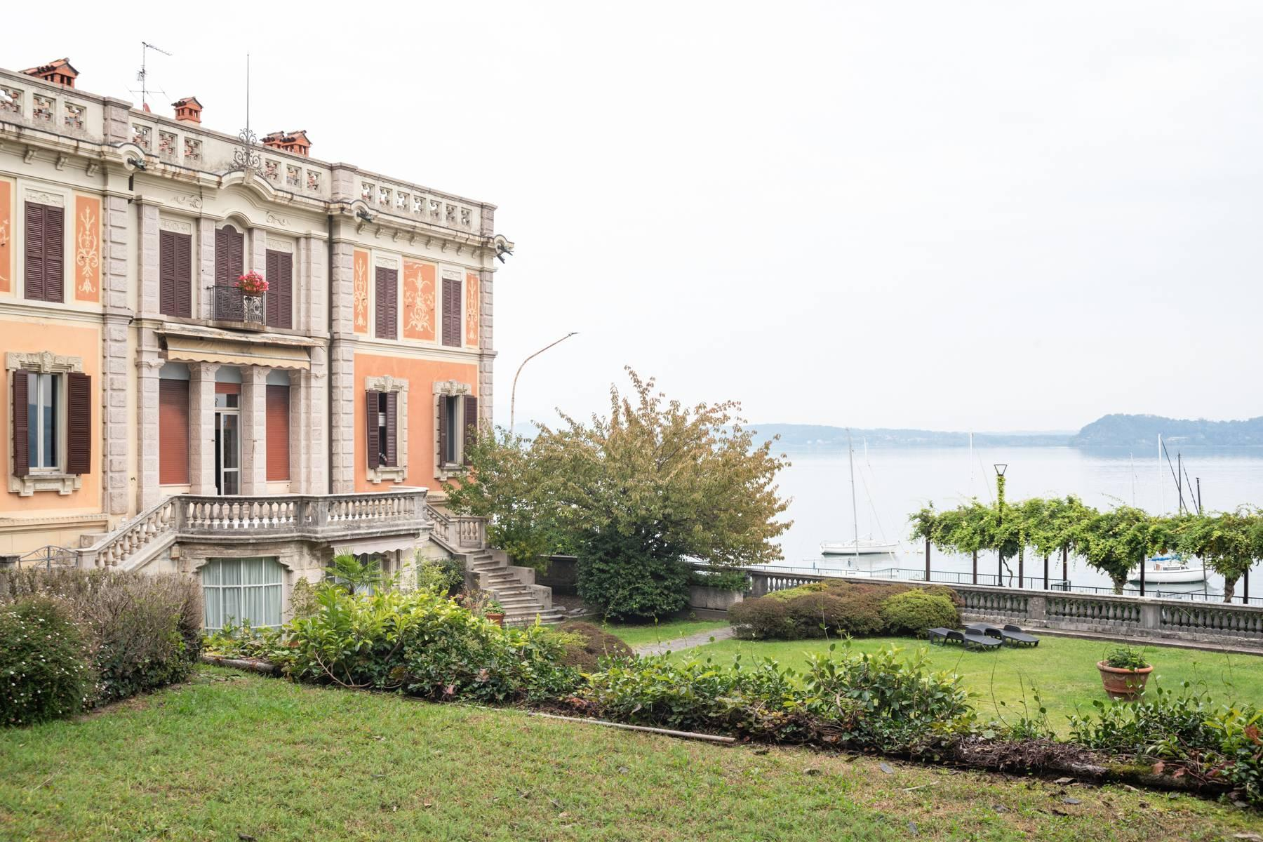 Luxurious apartment in an historic villa with magnificent lake view - 2