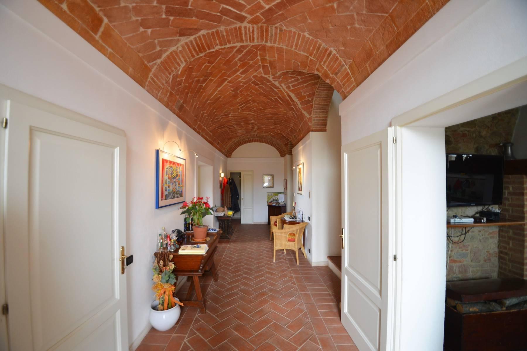 Casale con agriturismo e vigneto a pochi passi da Montepulciano - 9