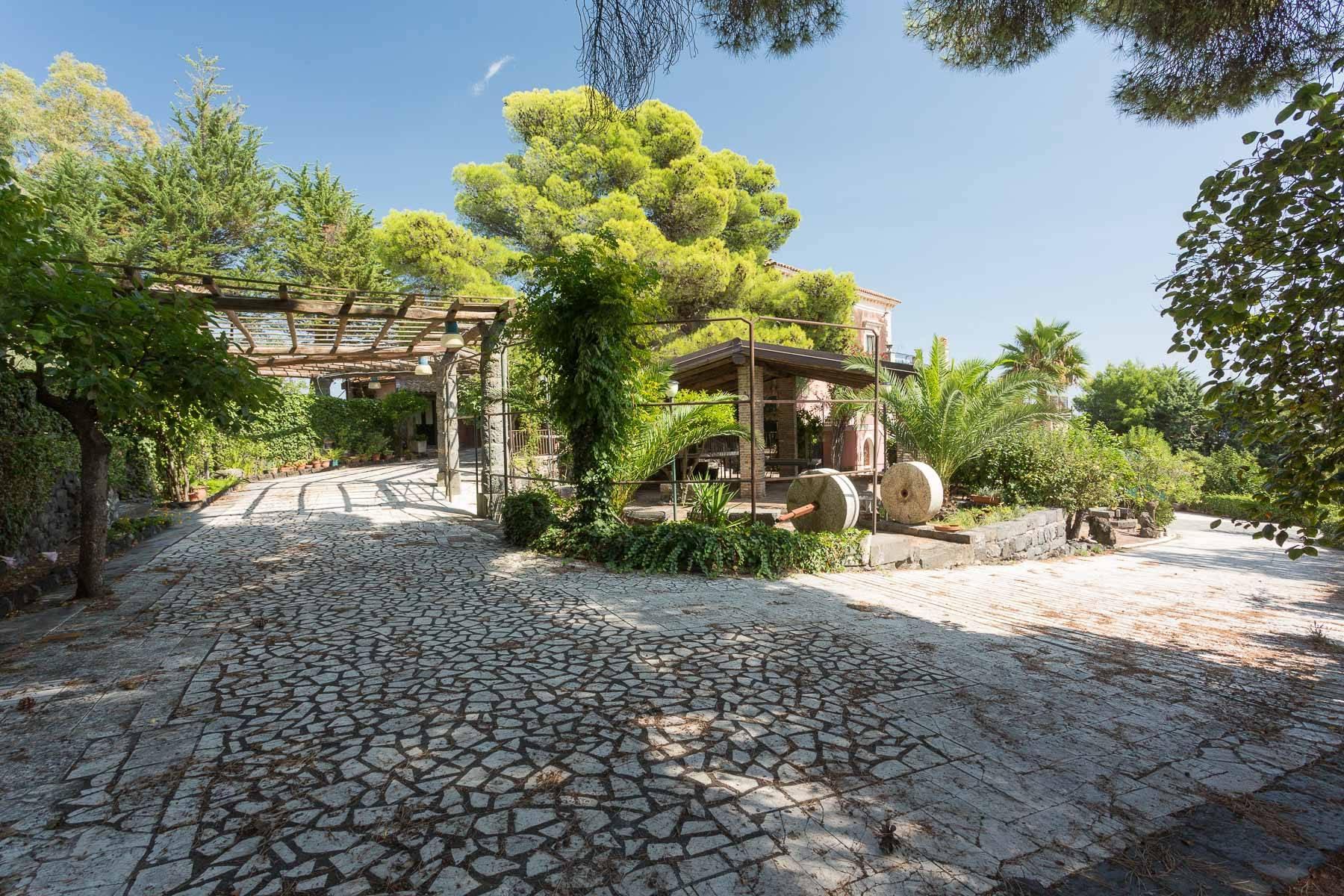 Villa padronale con terreno alle pendici dell'Etna - 4