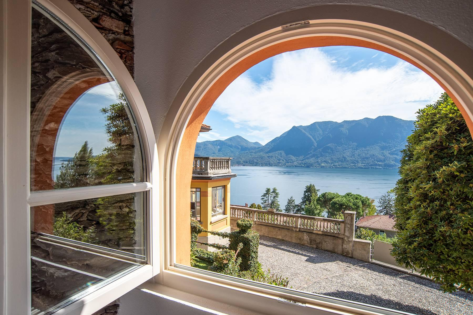 Unique historic villa with guest house in a privileged position and a fantastic view of Lake Maggiore - 1
