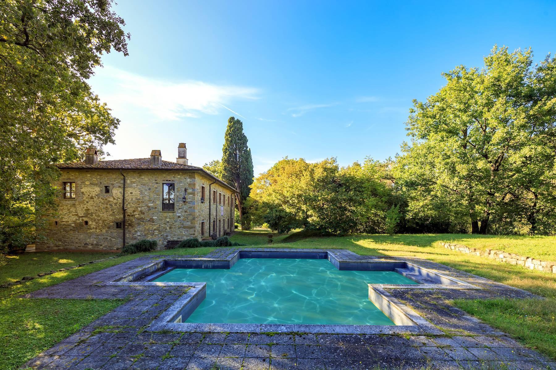 Historische Villa in der toskanischen Landschaft - 5