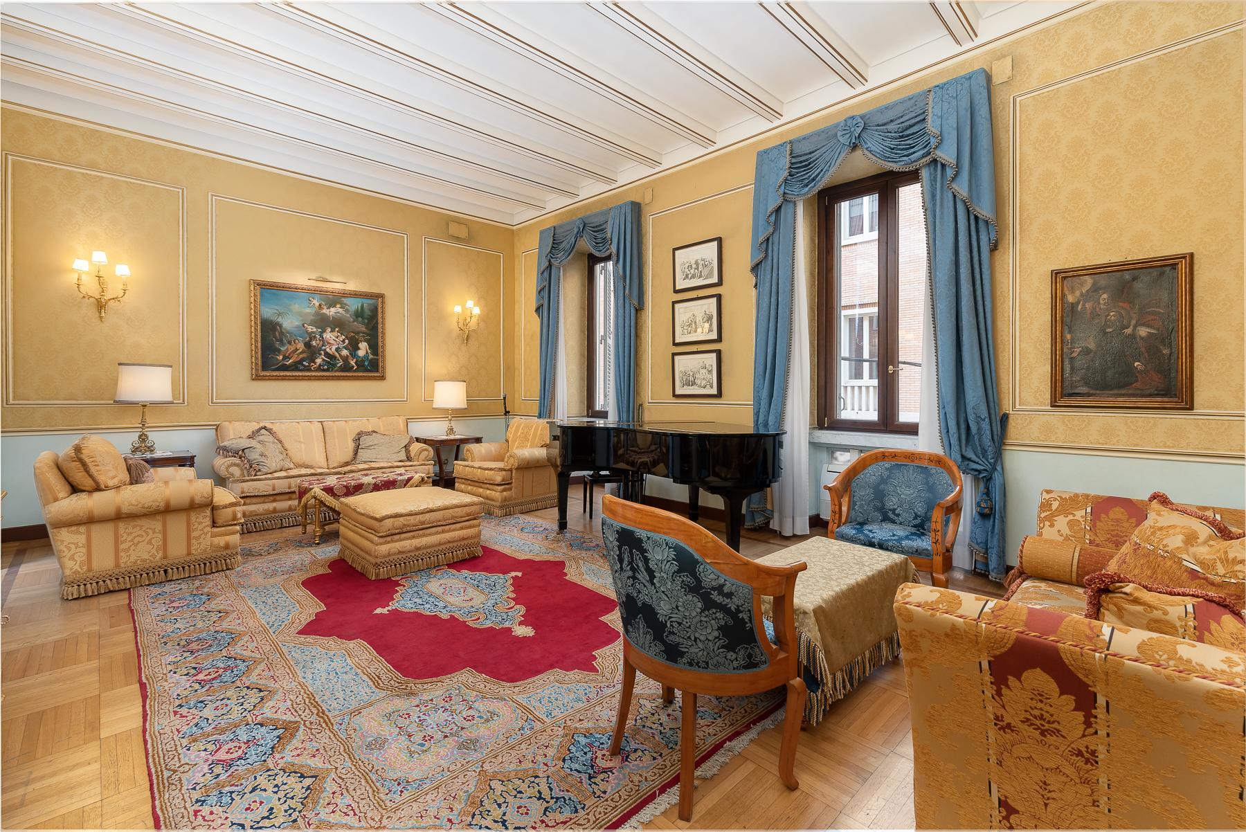 Роскошная квартира с большой террасой  в элегантном здании начала 900 года - 18
