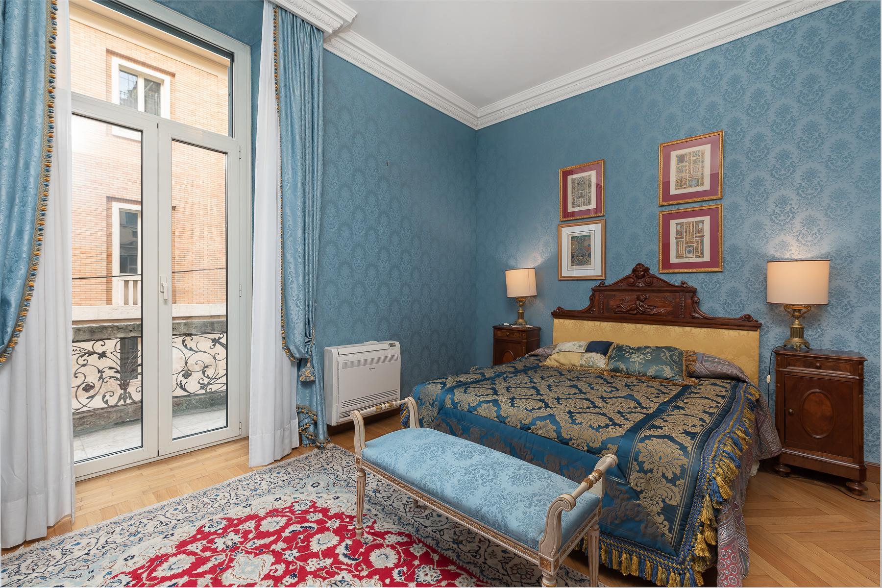 Роскошная квартира с большой террасой  в элегантном здании начала 900 года - 10